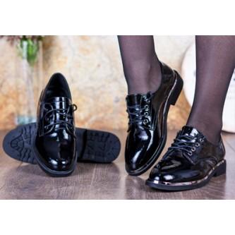 Туфли женские на шнурках: все, что нужно знать