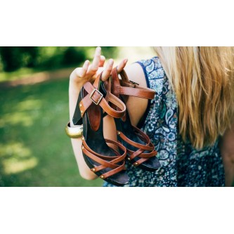 Женские кожаные босоножки – стильная обувь для ваших ножек