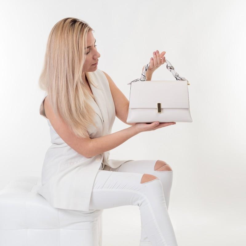 Сумка жіноча біла класична Oliaver