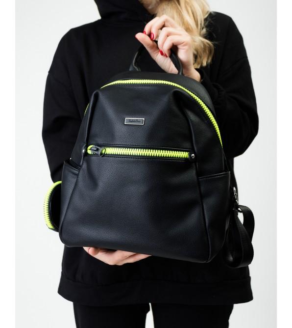 Рюкзак жіночий чорний з яскравою застібкою Brocoli