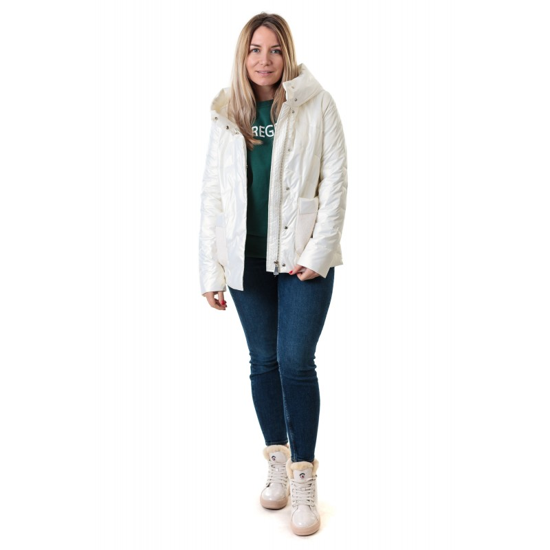 Куртка жiноча молочного кольору з кишенями ZLLY
