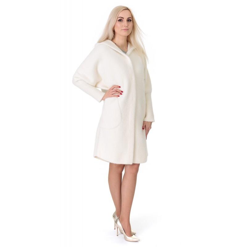 Кардиган-пальто жіноче молочного  кольору на довгий рукав з капюшоном до  колін на гудзики