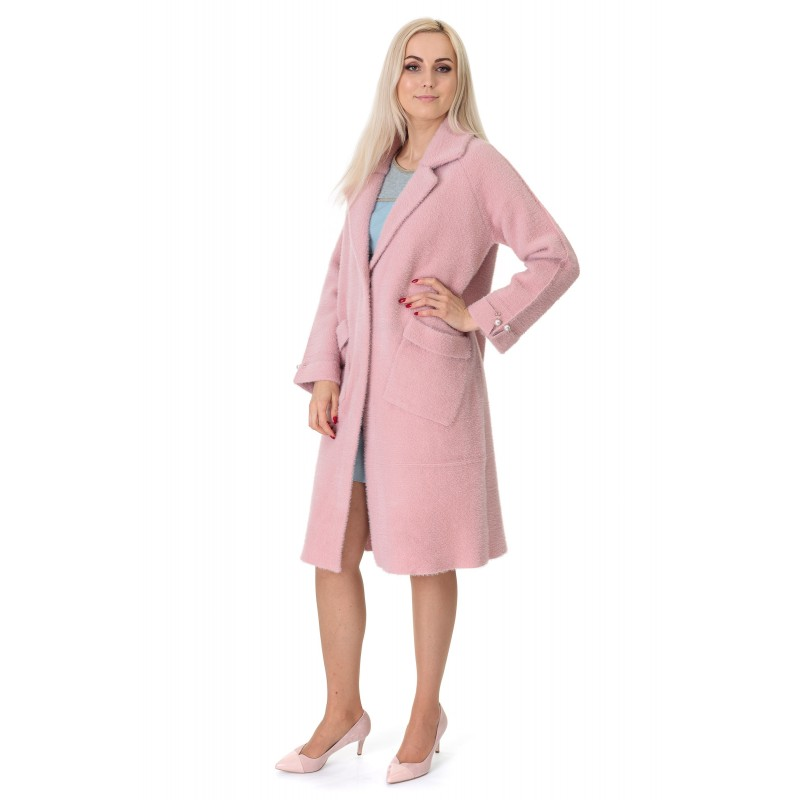 Кардиган-пальто жіноче рожевого кольору на гудзиках на довгий рукав до колін з перлинками