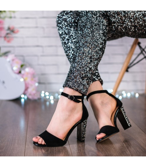Босоніжки жіночі замшеві, чорні, на високому каблуці Stefaniya