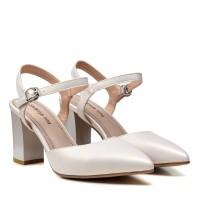 Босоножки женские молочный оттенок, кожаные, на каблуке STEFANIYA