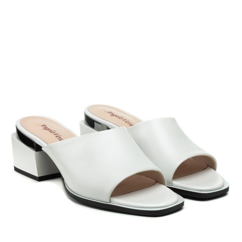 Шльопанці шкіряні білі на середньому каблуку Angelo Verа