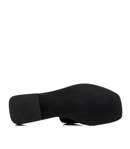 Шльопанці жіночі шкіряні чорні на низькому каблуці Brocoli