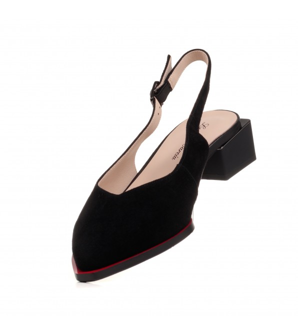 Босоніжки жіночі замшеві чорні з гострим носком Lady marcia