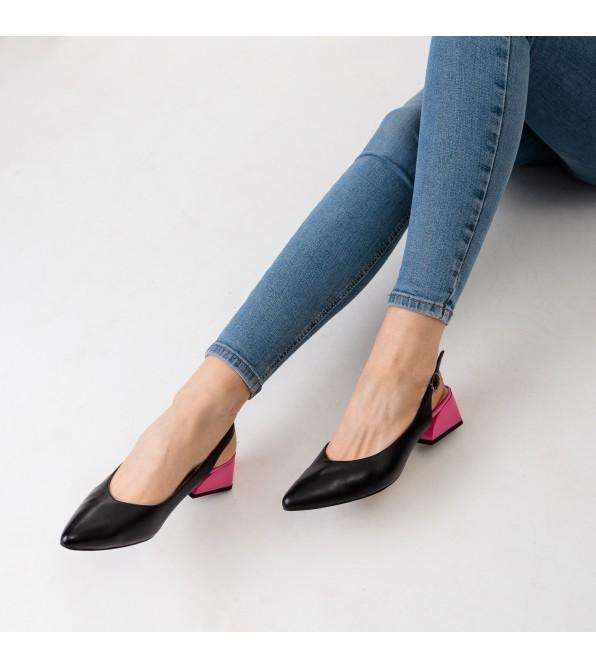 Босоніжки жіночі шкіряні з гострим носком Geronea