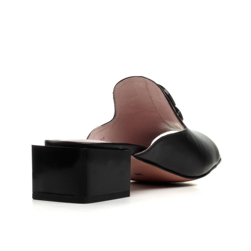 Шльопанці жіночі чорні шкіряні на каблуці Geronea