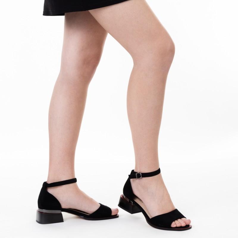 Босоніжки жіночі чорні на широкому каблуці Aiformaria