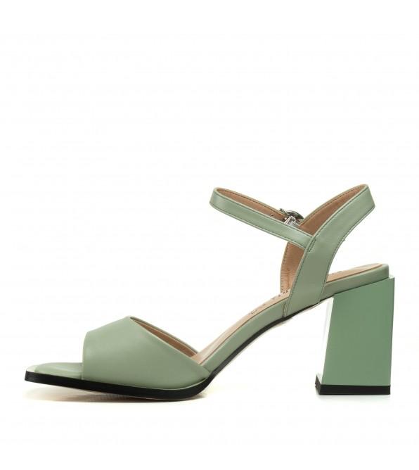 Босоніжки зелені на товстому каблуку Aiformaria