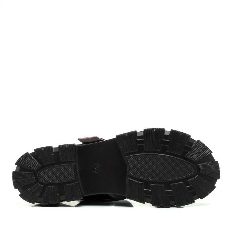 Босоніжки чорні на платформі Lifexpert