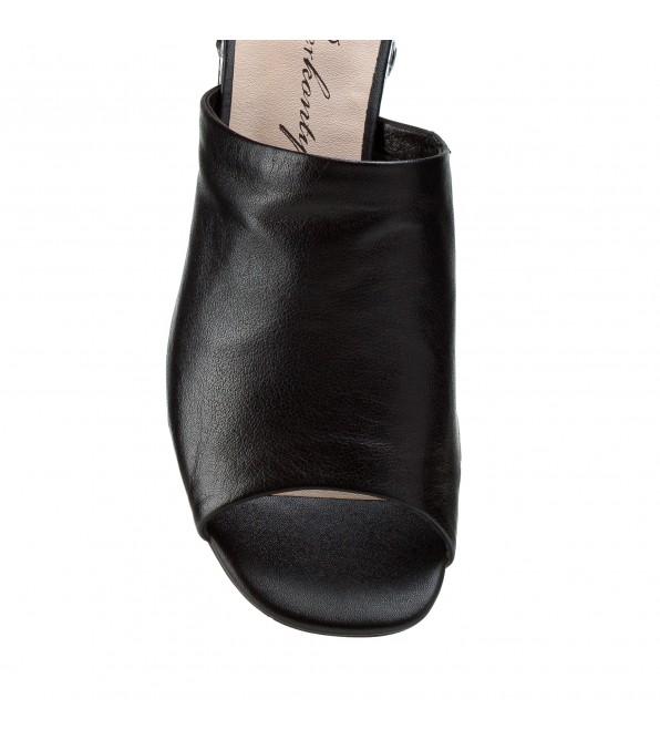 Босоніжки жіночі шкіряні чорні на товстому каблуці Berkonty