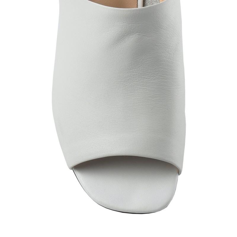 Шльопанці жіночі шкіряні білі на каблуці з камнями Berkonty