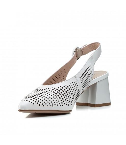 Босоніжки жіночі шкіряні білі на стійкому каблуку