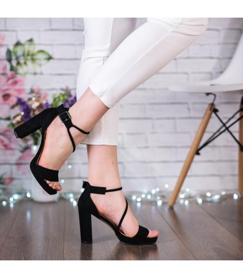 Босоніжки жіночі замшеві чорні на високому каблуку