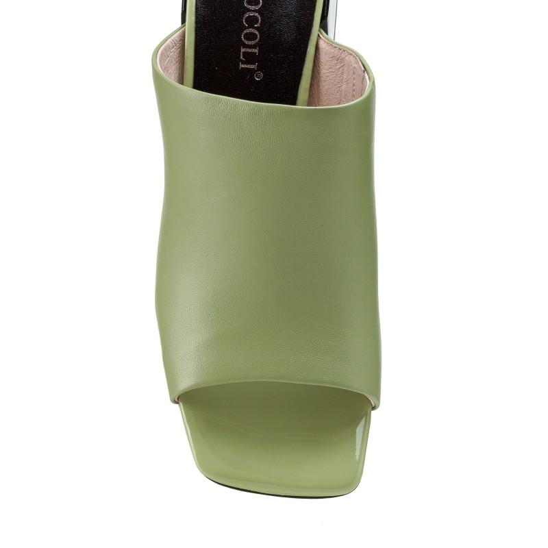 Шльопанці жіночі шкіряні салатові на товстому каблуку