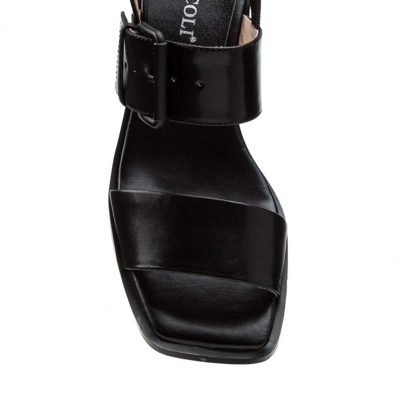 Босоніжки жіночі шкіряні чорні на низькому каблуці Brocoli