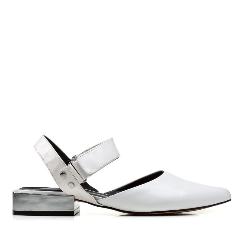 Босоніжки жіночі шкіряні білі на низькому каблуку Brocoli