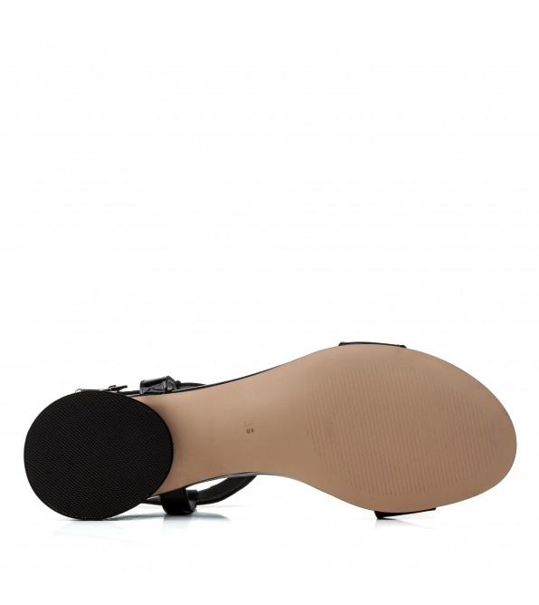 Босоніжки жіночі шкіряні чорні на низькому ході