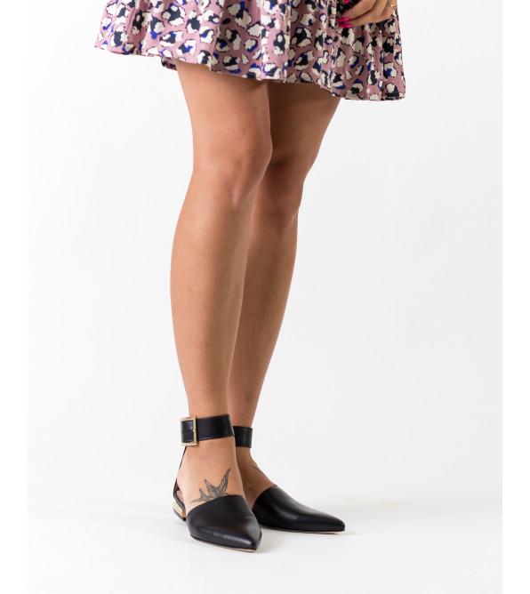 Босоніжки жіночі шкіряні чорні закриті на низькому ходу Evromoda
