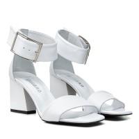 Босоножки кожаные белые стильные на толстом каблуке Guero