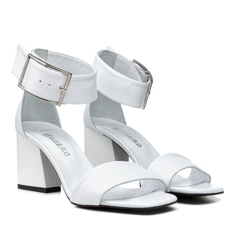 Босоніжки шкіряні білі стильні на товстому каблуці Guero