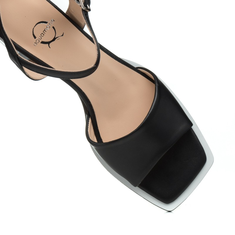 Босоніжки жіночі шкіряні чорні на каблуці Aquamarin