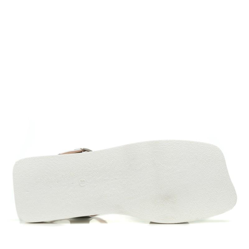 Босоніжки шкіряні білі на плоскій підошві Aquamarin
