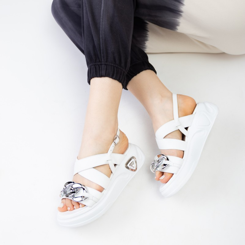 Босоніжки жіночі білі шкіряні з ланцюжком Aquamarin