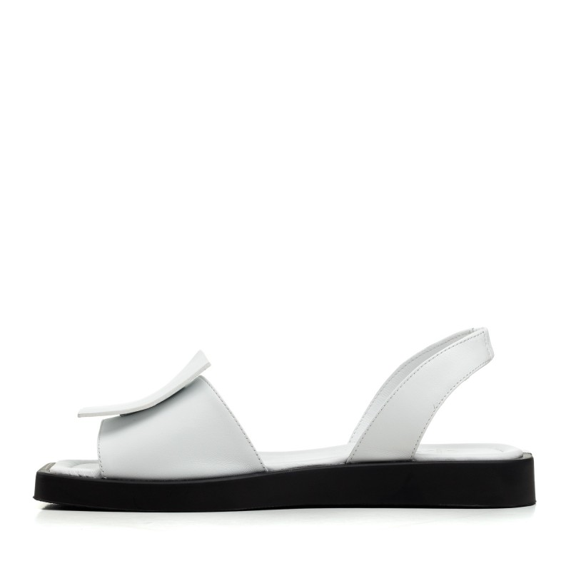 Босоніжки жіночі шкіряні білі на низькому ходу Aquamarin