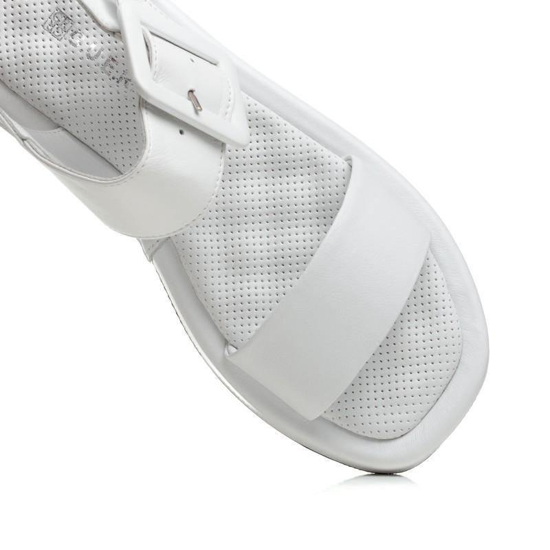 Босоніжки жіночі білі шкіряні на низькому ходу Guero