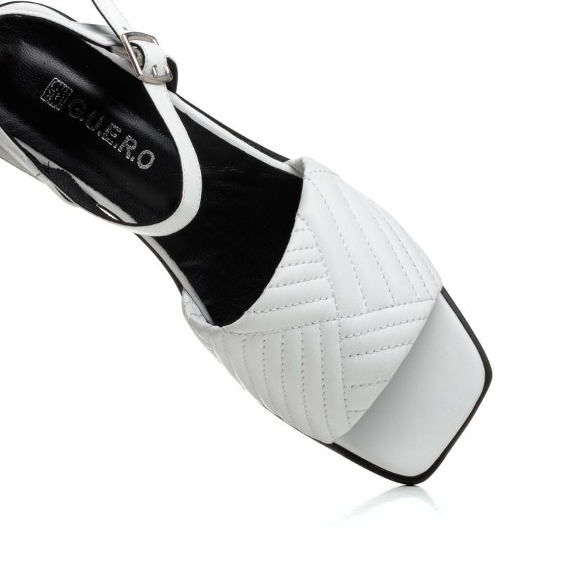 Босоніжки шкіряні білі Guero