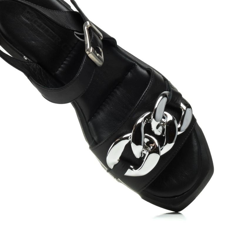 Босоніжки шкіряні чорні на низькому ходу Guero