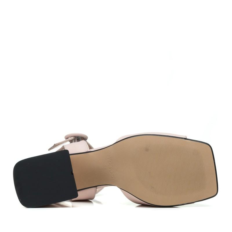Босоніжки шкіряні пудрові на товстому каблуку Evromoda