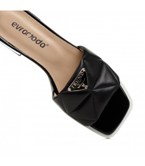 Шльопанці жіночі шкіряні чорні на низькому каблуці Evromoda