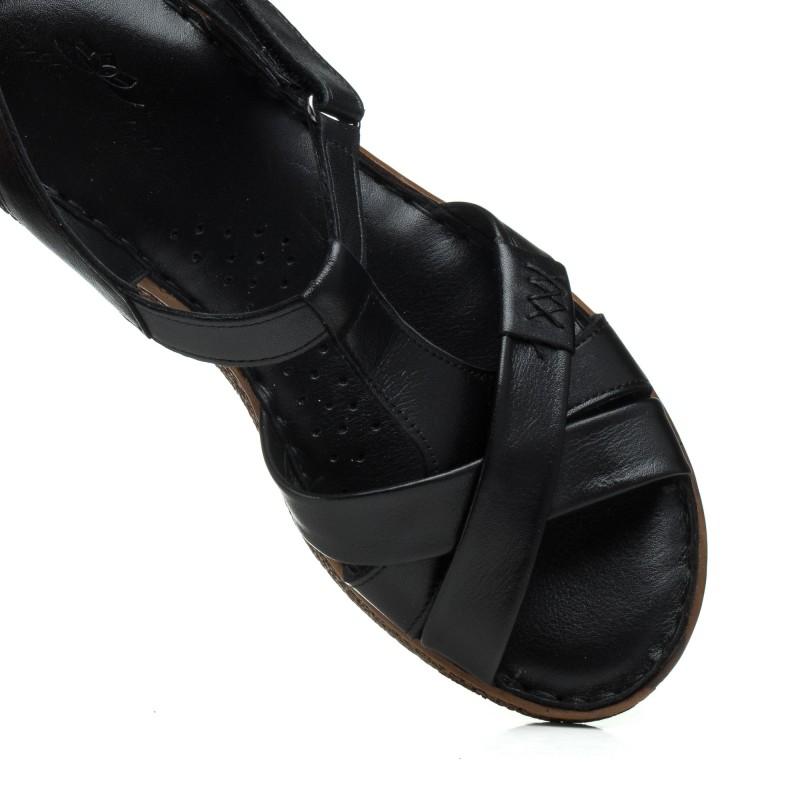 Босоніжки жіночі чорні шкіряні на низькому ходу Magnolya