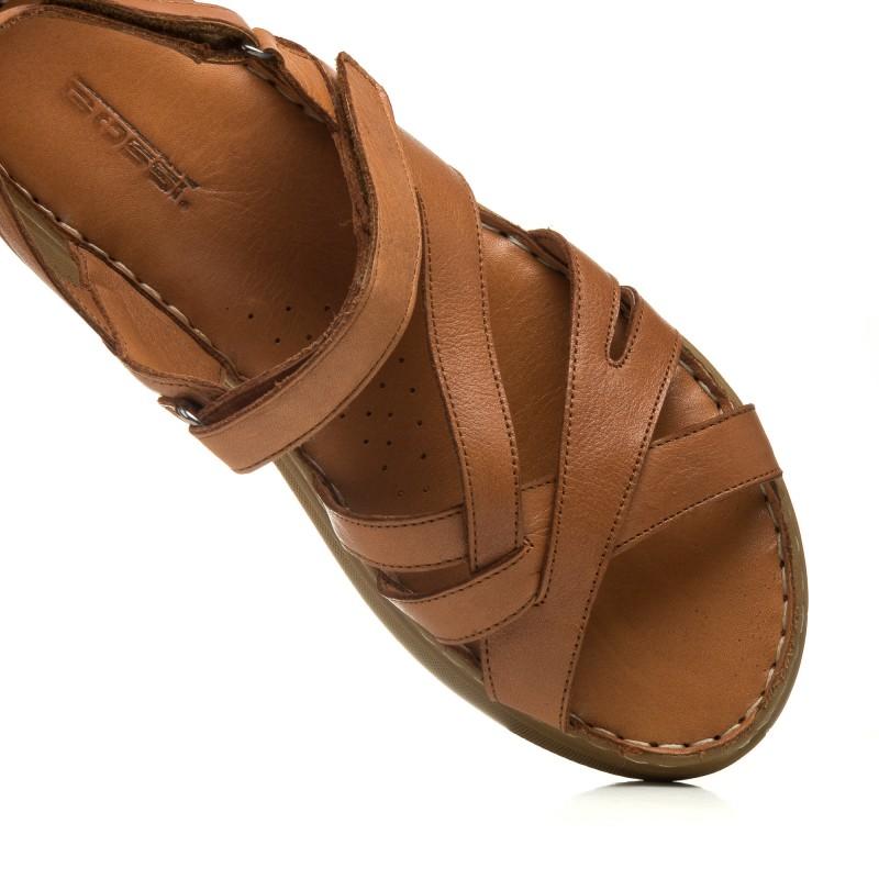 Босоніжки шкіряні коричневі на плоскій підошві Gossi