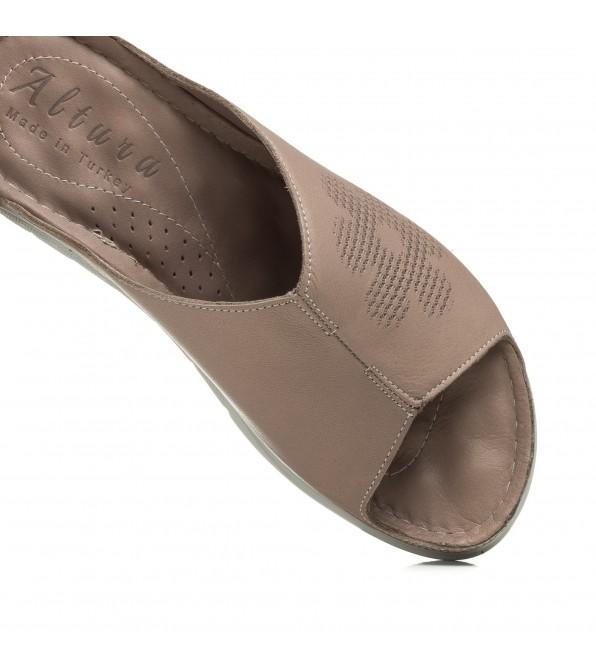 Шльопанці жіночі шкіряні коричневі altura