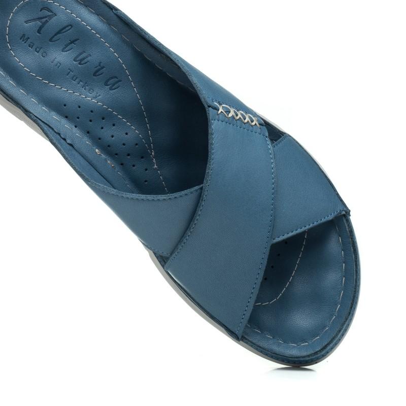 Шльопанці жіночі шкіряні сині altura