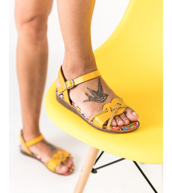 Босоніжки жіночі шкіряні жовті на низькому ходу Presso
