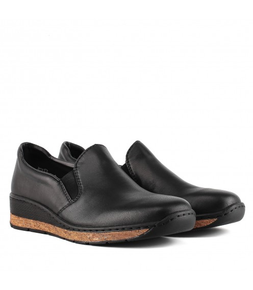 Туфлі жіночі шкіряні чорні зручні на низькому ходу