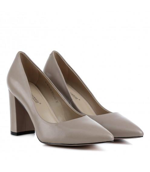 Туфлі жіночі шкіряні бежеві на стійкому каблуку Djovannia