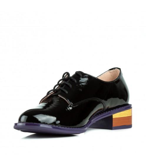 Туфлі жіночі лакові шкіряні чорні на зручному каблуку