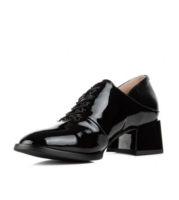 Туфлі жіночі шкіряні лакові чорні на товстому каблуку