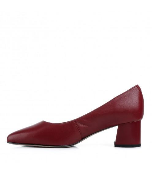 Туфлі жіночі шкіряні червоні на стійкому каблуку