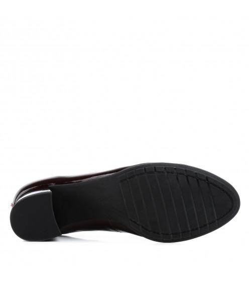Туфлі жіночі шкіряні лакові бордові на стійкому каблуку