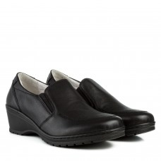 Туфлі жіночі шкіряні чорні на зручній танкетці