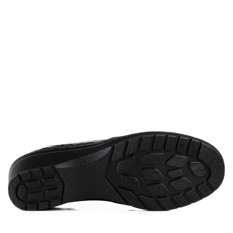 Туфлі жіночі лакові шкіряні чорні на зручній танкетці